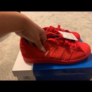 7 1/2 Adidas Superstar London's series